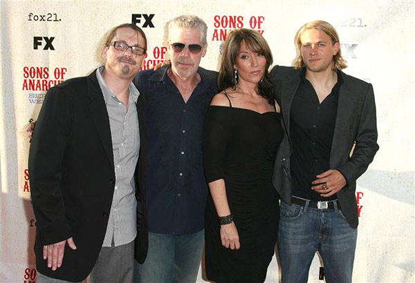 &#39;Sons of Anarchy&#39; actress Katey Sagal &#40;second from right&#41; and husband, show creator and Kurt Sutter &#40;left&#41; appear with their co-stars, Charlie Hunnam &#40;right&#41; and Ron Perlman &#40;second from left&#41; at the premiere of season 1 of the FX series in Los Angeles on Aug. 24, 2008. <span class=meta>(Andy Fossum &#47; Startraksphoto.com)</span>