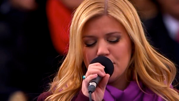 "<div class=""meta ""><span class=""caption-text "">Kelly Clarkson performs 'My Country 'Tis of Thee' after President Barack Obama's ceremonial swearing-in ceremony during the 57th Presidential Inauguration. (Watch a video of her performance.) (ABC News)</span></div>"