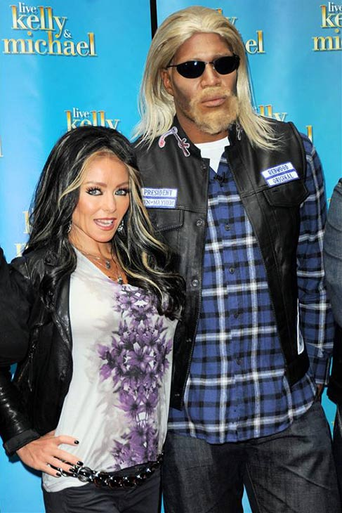 &#39;LIVE! with Kelly and Michael&#39; hosts Kelly Ripa and Michael Strahan dress up as &#39;Sons of Anarchy&#39; characters Gemma Teller Morrow and Jackson &#39;Jax&#39; Teller on Oct. 31, 2013 -- Halloween. <span class=meta>(Adam Nemser &#47; Startraksphoto.com)</span>