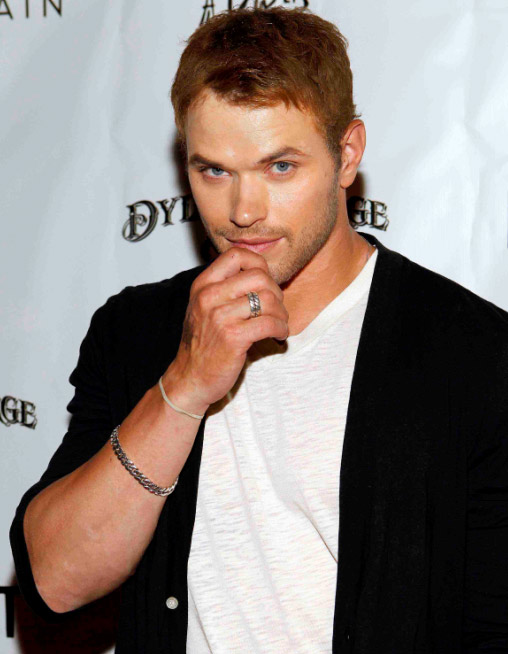 &#39;Twilight&#39; star Kellan Lutz attended the Dylan George and Abbot &#43; Main Spring 2012 Launch and after party at Paris Las Vegas on Aug. 23, 2011. Lutz is the face of Dylan George denim and teamed up with founder Danny Guez, to design the ready-to-wear menswear line, Abbot &#43; Main, a Venice Beach-inspired 25-piece collection of T-shirts and knitwear that debuted earlier this month. A women&#39;s collection is set to hit stores in the spring of 2012. <span class=meta>(WireImage)</span>