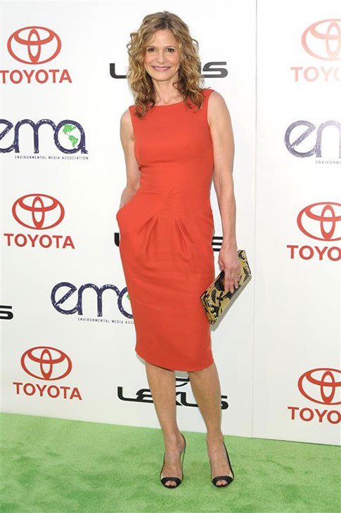 Kyra Sedgwick wears a red L&#39;Wren Scott dress at the 2011 Environmental Media Awards in Burbank, California on Oct. 15, 2011. <span class=meta>(Kyle Rover &#47; Startraksphoto.com)</span>