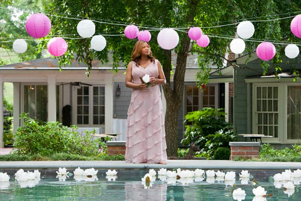 "<div class=""meta ""><span class=""caption-text "">Queen Latifah stars as M'Lynn in the all-new Lifetime Original Movie, 'Steel Magnolias,' premiering on Lifetime on Oct. 7, 2012. (Annette Brown / Lifetime Television)</span></div>"