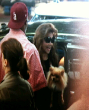 OnTheRedCarpet.com special correspondent said on Sept. 30, 2011, day 4 of the Conrad Murray involuntary manslaughter trial: &#39;La Toya &#40;Jackson&#41; had a little dog with her when she arrived at the courthouse. She handed it off and walked in.&#39; <span class=meta>(OTRC)</span>