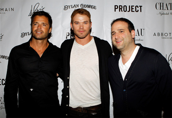"<div class=""meta ""><span class=""caption-text "">David Charvet, 'Twilight' star Kellan Lutz and Dylan George founder Danny Guez attended the Dylan George and Abbot + Main Spring 2012 Launch and after party at Paris Las Vegas on Aug. 23, 2011. (WireImage)</span></div>"