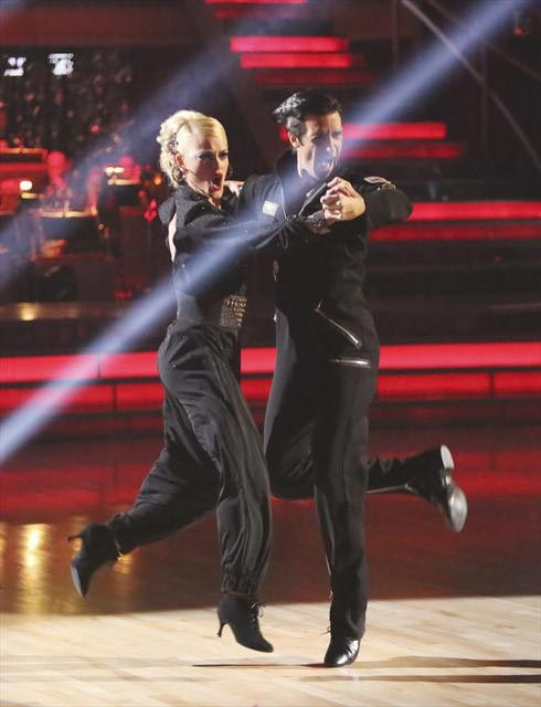 "<div class=""meta ""><span class=""caption-text "">French actor Gilles Marini and his partner Peta Murgatroyd received 29.5 out of 30 points from the judges for their Quickstep on  'Dancing With The Stars: All-Stars,' which aired on November 12, 2012. (ABC / OTRC)</span></div>"