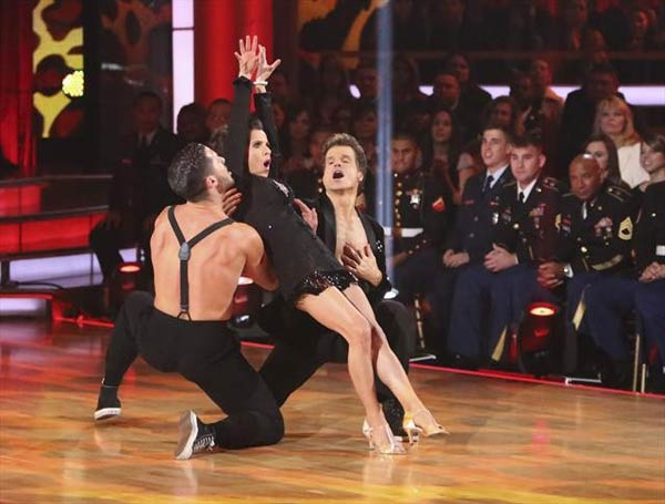 'General Hospital' actress Kelly Monaco and her partner Valentin Chmerkovskiy received 28 out of 30 points from the judges for 
