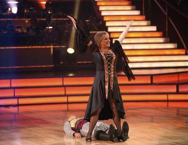 Nancy Grace returned to the ballroom for a final performance with partner Tristan MacManus on &#39;Dancing With The Stars: The Results Show,&#39; on Tuesday, November 22, 2011. <span class=meta>(ABC &#47; Adam Taylor)</span>