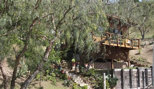 Jack Nicholson's Malibu home. The three-bedroom,...