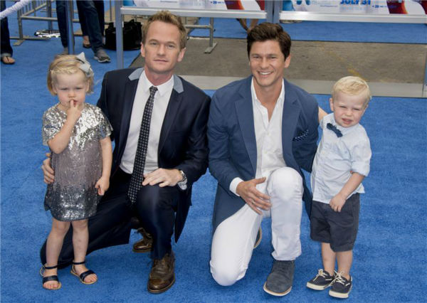 Neil Patrick Harris, partner David Burtka and their 2-year-old twins, Harper and Gideon, attend the premiere of &#39;The Smurfs 2&#39; at the Regency Village Theatre in Westwood, near Los Angeles, on July 28, 2013. <span class=meta>(Lionel Hahn &#47; Abacausa &#47; startraksphoto.com)</span>