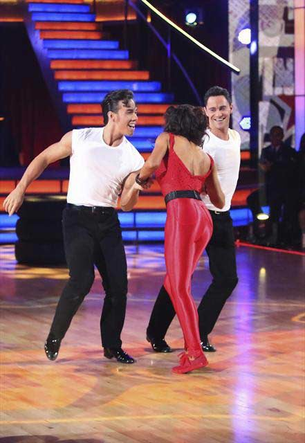 "<div class=""meta image-caption""><div class=""origin-logo origin-image ""><span></span></div><span class=""caption-text"">Olympic speed skater Apolo Anton Ohno and his dance partners Karina Smirnoff and Sasha Farber received 29 out of 30 points from the  judges for their Jive on 'Dancing With The Stars: All-Stars,' which aired on November 12, 2012. (ABC / OTRC)</span></div>"