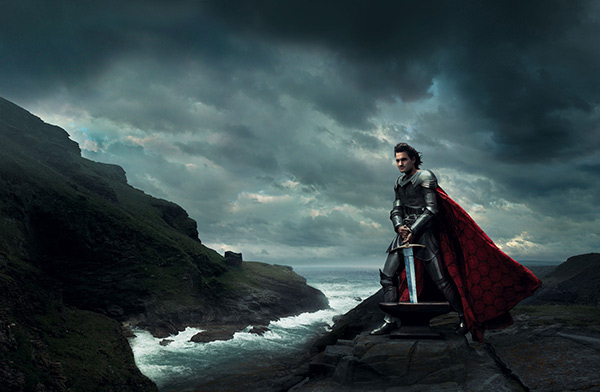 "<div class=""meta ""><span class=""caption-text "">Orlando Bloom plays Arthur from 'The Sword in the Stone' in Annie Leibowitz's Disney Dream Dream Portraits series. (Disney Enterprises Inc. / Annie Leibowitz)</span></div>"
