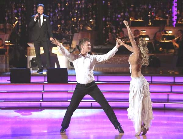 "<div class=""meta image-caption""><div class=""origin-logo origin-image ""><span></span></div><span class=""caption-text"">'Dancing with the Stars' Season 9 champion Donny Osmond returned to the ballroom on 'Dancing With The Stars: The Results Show' on October 16, 2012, to perform a duet with Susan Boyle called 'This Is the Moment.' It was accompanied by dancers Kym Johnson, Tristan McManus, Anna Trebunskya and Henry Byalikov.   (ABC Photo)</span></div>"