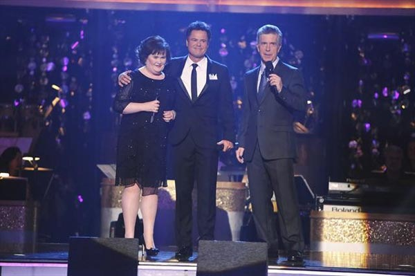 'Dancing with the Stars' Season 9 champion Donny Osmond returned to the ballroom on 'Dancing With The Stars: The Results Show' on October 16, 2012, to perform a duet with Susan Boyle.