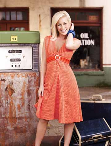 Promotional still of Kellie Pickler on her personal Facebook.