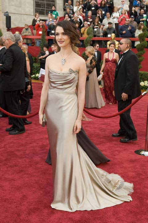 "<div class=""meta image-caption""><div class=""origin-logo origin-image ""><span></span></div><span class=""caption-text"">Rachel Weisz arrives at the 79th Annual Academy Awards at the Kodak Theatre in Hollywood, Calif. on Sunday, Feb. 25, 2007. The actress turned heads in a beige, rhinestone encrusted Vera Wang gown which she paired with Cartier jewels.  The 2013 Oscar ceremony is scheduled to air February 24 on ABC. (A.M.P.A.S.)</span></div>"