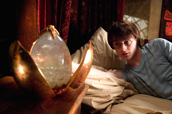 "<div class=""meta ""><span class=""caption-text "">Harry Potter (Daniel Radcliffe) appears in a scene from the 2005 film 'Harry Potter and the Goblet of Fire.' (Warner Bros. Pictures)</span></div>"