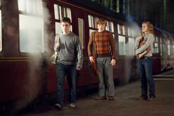 Harry Potter &#40;Daniel Radcliffe&#41;, Ron Weasley &#40;Rupert Grint&#41; and Hermione Granger &#40;Emma Watson&#41; appear in a scene from the 2007 film &#39;Harry Potter and the Order of the Phoenix.&#39; <span class=meta>(Warner Bros. Pictures)</span>