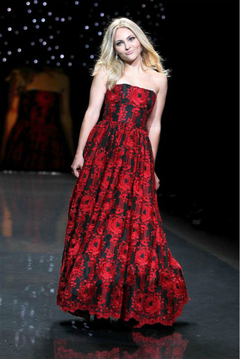 "<div class=""meta image-caption""><div class=""origin-logo origin-image ""><span></span></div><span class=""caption-text"">AnnaSophia Robb of 'The Carrie Diaries' (wearing Alice + Olivia) walks the runway at the Go Red For Women/The Heart Truth Red Dress 2014 Collection fashion show during Mercedes-Benz Fashion Week in New York on Feb. 6, 2014. (Amanda Schwab / Startraksphoto.com)</span></div>"