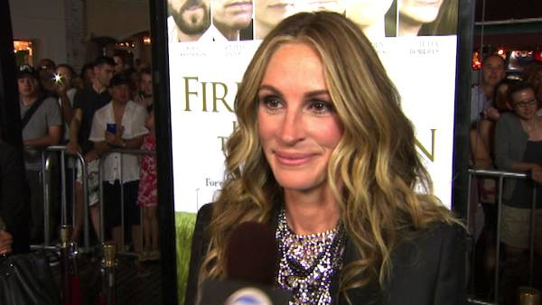 Julia Roberts talks to OnTheRedCarpet.com about 'Fireflies in the Garden' at a Los Angeles premiere in November 2011.