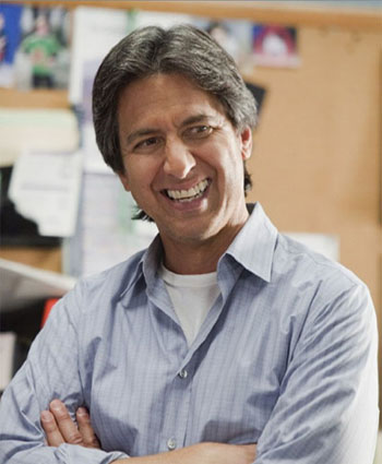 Funnyman, Ray Romano was pursuing a career in accounting before making it big on the hit television sitcom, &#39;Everybody Loves Raymond.&#39; At one point, Romano was working as a bank teller.  <span class=meta>(TNT&#47;Danny Feld)</span>