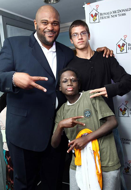 "<div class=""meta ""><span class=""caption-text "">'American Idol' season 2 winner Ruben Studdard poses with new friends at the Ronald McDonald House in New York City on Nov. 9, 2010. He performed there for the residents, which include children and who are seeking treatment for pediatric cancers at city hospitals. (Sara Jaye Weiss / Startraksphoto.com)</span></div>"