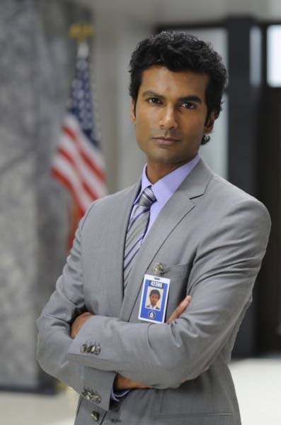 "<div class=""meta ""><span class=""caption-text "">Sendhil Ramamurthy turns 38 on May 17, 2012. The actor is known for shows such as 'Heroes' and 'Guiding Light' and movies such as 'Shor' and 'Blind Dating.' (USA Network - Steve Wilkie)</span></div>"