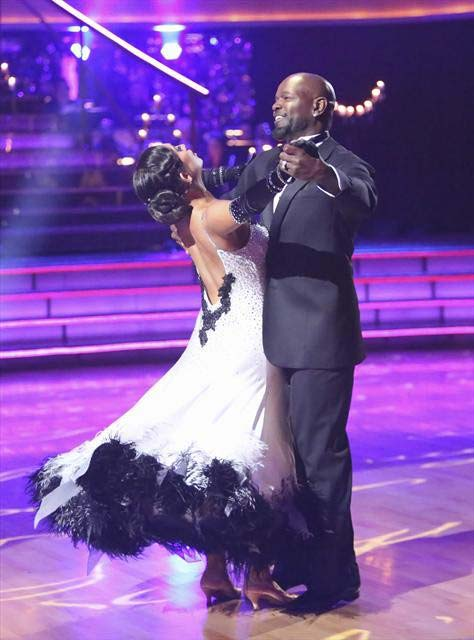 "<div class=""meta ""><span class=""caption-text "">Retired NFL star Emmitt Smith and his partner Cheryl Burke received 28 out of 30 points from the judges for their Viennese Waltz on  'Dancing With The Stars: All-Stars,' which aired on November 12, 2012. (ABC / OTRC)</span></div>"