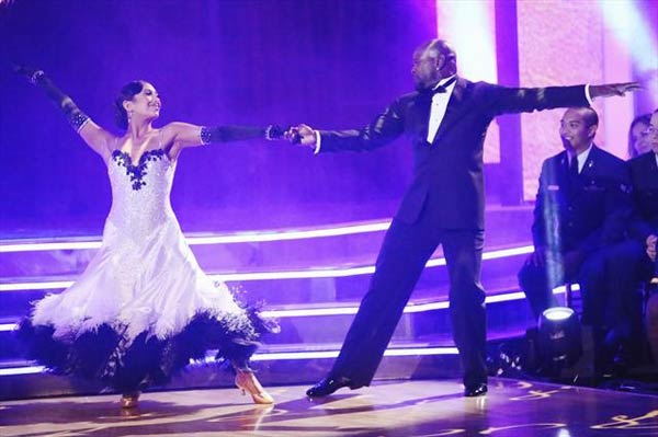 Retired NFL star Emmitt Smith and his partner Cheryl Burke received 28 out of 30 points from the judges for their Viennese Waltz on 
