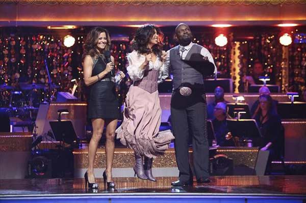 Retired NFL star Emmitt Smith and his partner Cheryl Burke react to being safe from elimination on &#39;Dancing With The Stars: The Results Show&#39; on October 30, 2012. The two received 26.5 out of 30 points from the judges for their Foxtrot on &#39;Dancing With The Stars: All-Stars,&#39; which aired on October 29, 2012. <span class=meta>(ABC Photo)</span>