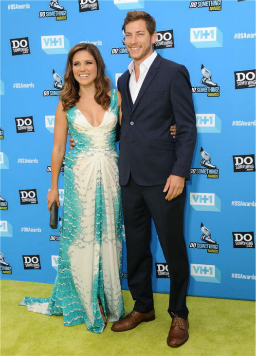 Host Sophia Bush and boyfriend and Google executive Dan Fredinburg attend the 2013 Do Something Awards in Hollywood, California on July 31, 2013. <span class=meta>(Sara De Boer &#47; startraksphoto.com)</span>