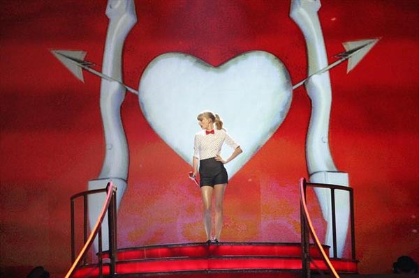 "<div class=""meta ""><span class=""caption-text "">Taylor Swift performed on 'Dancing With The Stars: The Results Show' on October 30, 2012. She sang her hit single 'We Are Never Ever Getting Back Together.' (ABC Photo)</span></div>"