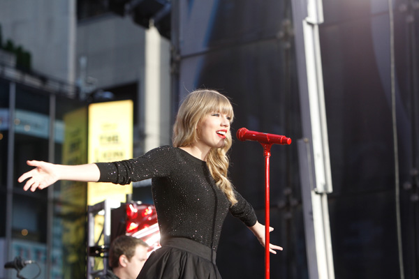 "<div class=""meta image-caption""><div class=""origin-logo origin-image ""><span></span></div><span class=""caption-text"">Taylor Swift performs in Times Square in New York City for ABC's 'Good Morning America' on Oct. 23, 2012 to promote her new album 'Red.' (Lou Rocco / ABC)</span></div>"