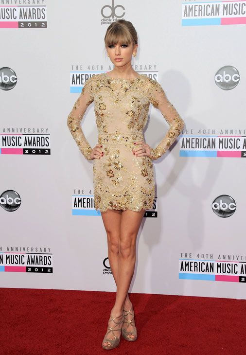 Taylor Swift talks to OTRC.com / KABC-TV correspondent George Pennacchio on the red carpet at the 2012 American Music Awards (AMAs) in L.A. on Nov. 18, 2012.