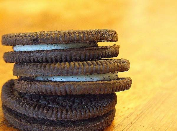 A photo of Oreo cookies.
