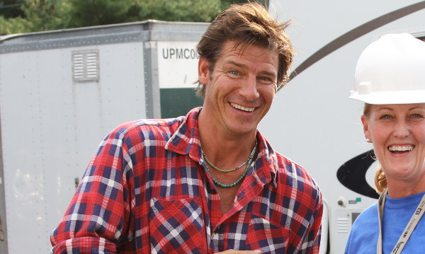 Ty Pennington appears in a scene from 'Extreme Makeover: Home Edition.'