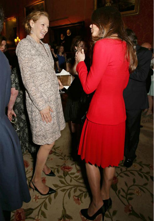 Uma Thurman chats with Kate Middleton, aka Kate, Duchess of Cambridge, at the Reception for the Dramatic Arts at Buckingham Palace on Feb. 17, 2014. <span class=meta>(Rex Features &#47; Startraksphoto.com)</span>