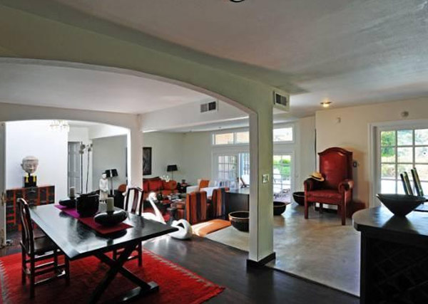A room inside Estella Warren&#39;s Beverly Hills home. The actress listed the property for sale in May 2011 for almost 1.4 million. <span class=meta>(Sotheby&#39;s International Realty &#47; Brett Lawyer &#47; brettlawyer.com)</span>
