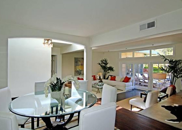 "<div class=""meta ""><span class=""caption-text "">A room inside Estella Warren's Beverly Hills home. The actress listed the property for sale in May 2011 for almost 1.4 million. (Sotheby's International Realty / Brett Lawyer / brettlawyer.com)</span></div>"