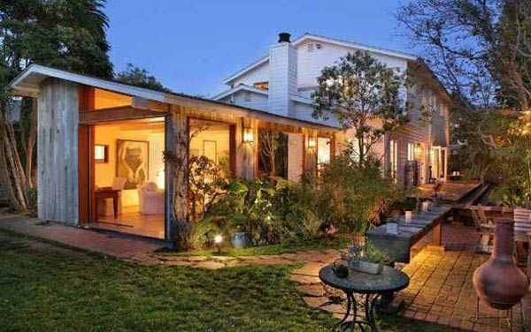 An outside evening view of Olivia Wilde's Venice beach house, which is on the market for $3 million.