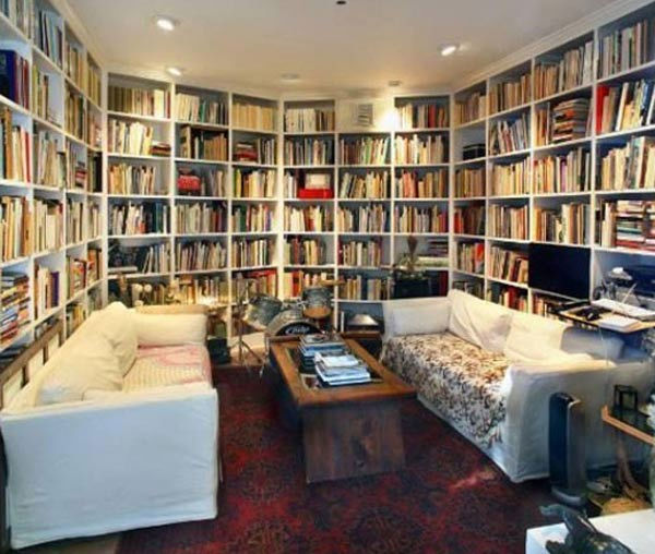 The built-in library at Olivia Wilde&#39;s Venice beach house, which is on the market for &#36;3 million. <span class=meta>(Photo&#47;Realtor.com)</span>