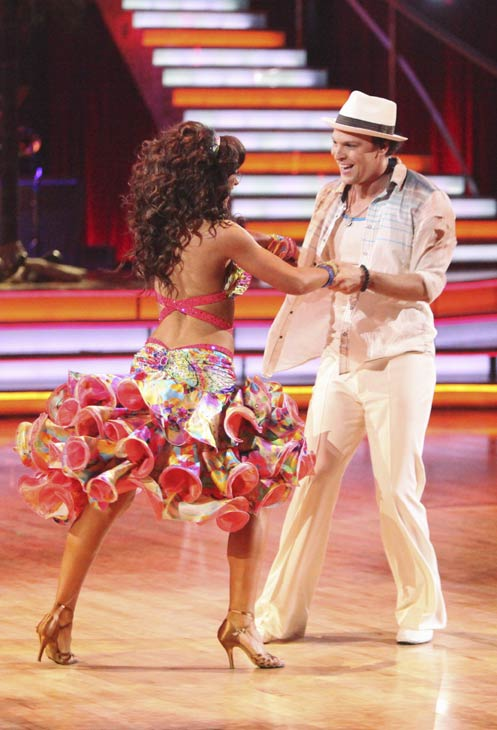 Singer Gavin DeGraw and his partner Karina Smirnoff received 19 out of 30 points from the judges for their Samba on week five of 'Dancing With The Stars,' which aired on April 16, 2012.