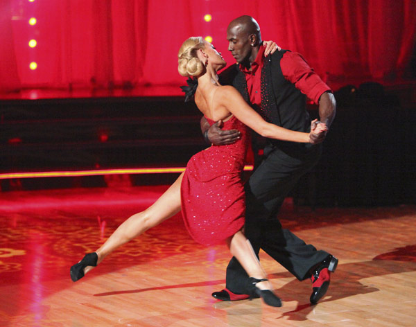 "<div class=""meta image-caption""><div class=""origin-logo origin-image ""><span></span></div><span class=""caption-text"">Football star Donald Driver and his partner Peta Murgatroyd received 27 out of 30 points from the judges for their Argentine Tango on week five of 'Dancing With The Stars,' which aired on April 16, 2012. (ABC)</span></div>"