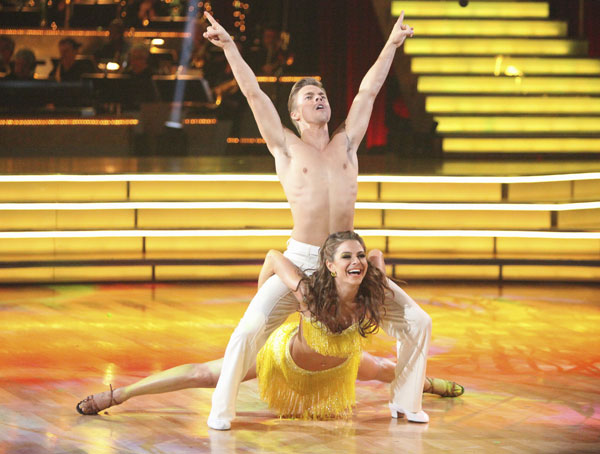 TV personality Maria Menounos and partner Derek Hough received 27 out of 30 points from the judges for their Salsa on week five of 'Dancing With The Stars' on April 16, 2012.
