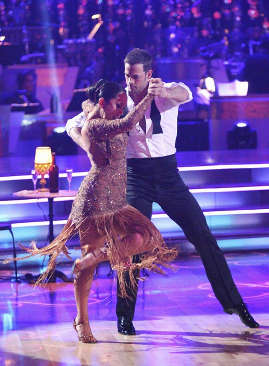 "<div class=""meta ""><span class=""caption-text "">Telenovela star William Levy and his partner Cheryl Burke received 29 out of 30 points from the judges for their Argentine Tango on week five of 'Dancing With The Stars,' which aired on April 16, 2012. (ABC)</span></div>"