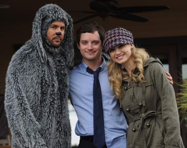 Elijah Wood as Ryan, Jason Gann as Wilfred and Fiona Gubelmann as Jenna in a promotional photo for the 2011 FX series &#39;Wilfred.&#39; <span class=meta>(FX)</span>