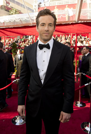 "<div class=""meta ""><span class=""caption-text "">Actor Ryan Reynolds arrives at the 82nd Annual Academy Awards at the Kodak Theatre in Hollywood, CA, on Sunday, March 7, 2010. (Richard Harbaugh / ©A.M.P.A.S.)</span></div>"