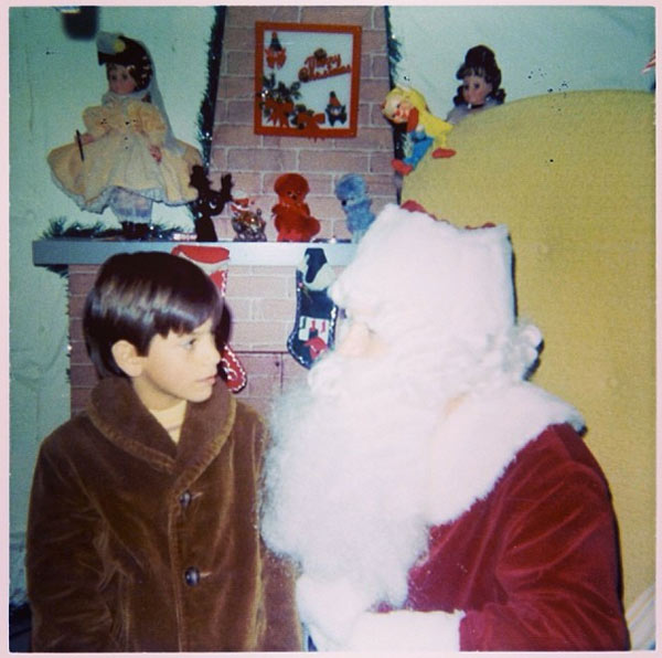 John Stamos shared this throwback photo of himself as a child with Santa Claus on his Twitter page on Dec. 25, 2013 - Christmas Day, saying: &#39;What do you think I was asking Santa for?&#39; <span class=meta>(instagram.com&#47;p&#47;iWzPiTCh-G&#47; &#47; instagram.com&#47;johnstamos)</span>
