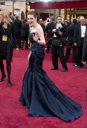 Presenter Kristen Stewart arrives at the 82nd Annual Academy Awards at the Kodak Theatre in Hollywood, CA, on Sunday, March 7, 2010. <span class=meta>(Matt Petit &#47; &#38;copy;A.M.P.A.S.)</span>