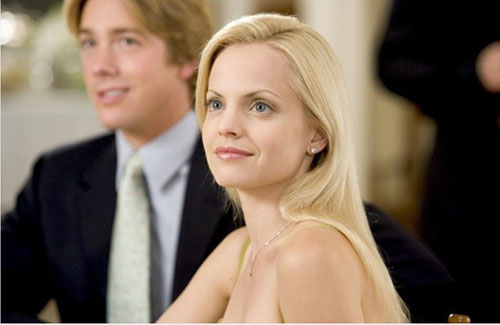 Mena Suvaria in a scene from 'Rumor Has It.'
