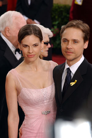 Hilary Swank, along with Chad Lowe, arrive at the 75th Annual Academy Awards at the Kodak Theatre in Hollywood, CA on Sunday, March 23, 2003. <span class=meta>(&copy;A.M.P.A.S.)</span>